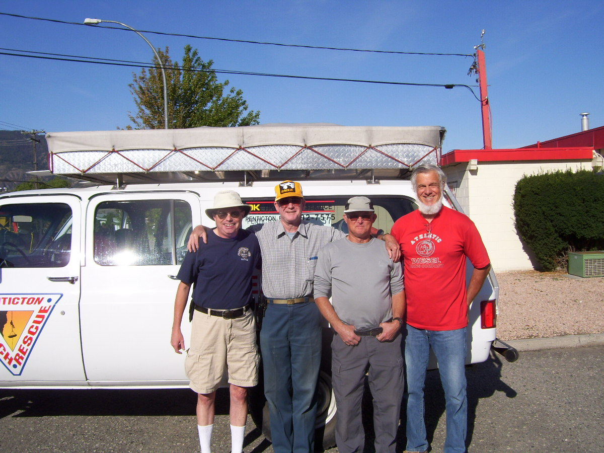Barry VA7FEZ, Al VA7QQ, Dale VE7KSK, & Bill Hood