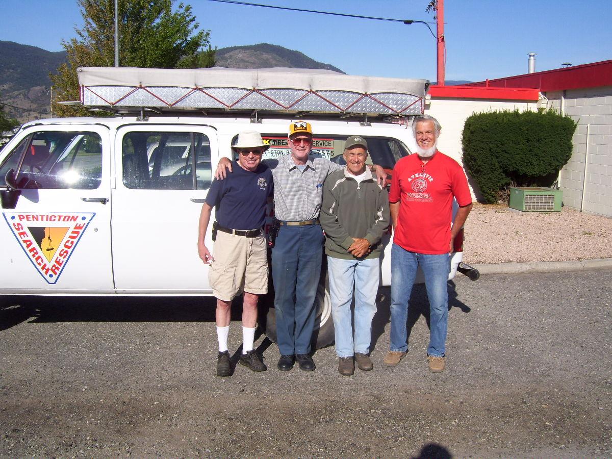 Barry VA7FEZ, Al VA7QQ, Robin VA7KV, & Bill Hood
